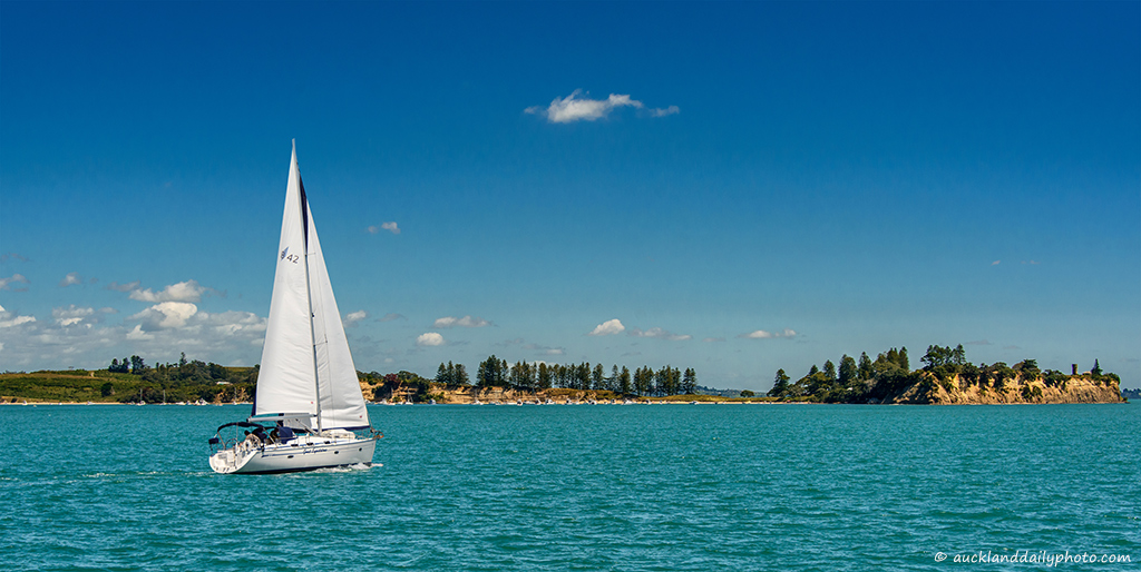 Sailing to Motuihe Island
